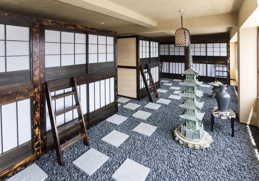 JR名古屋駅から徒歩7分、名古屋城まで徒歩とバスで24分です。