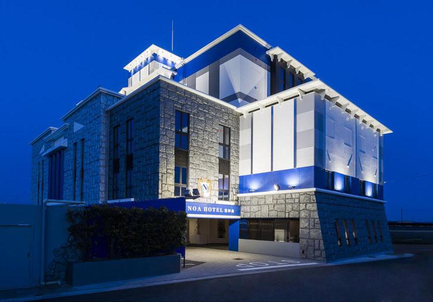 無料Wi-Fiを利用可能なノアホテル 豊田南は安城町にある宿泊施設で、敷地内の無料専用駐車場、24時間対応のフロントデスクを提供しています。