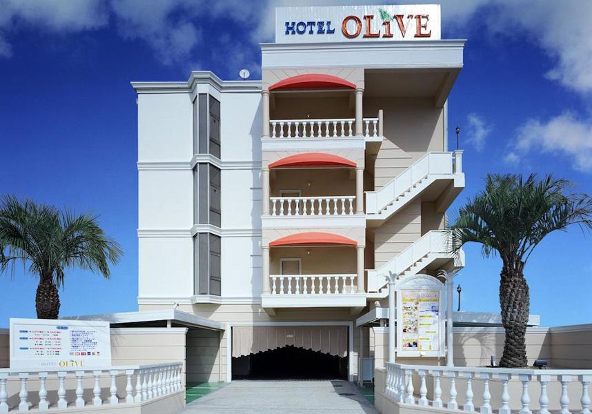 ホテルオリーブ 堺店のフロントデスクは24時間対応で、荷物預かりを利用できます。館内全域での無料Wi-Fi、無料駐車場を提供しています。