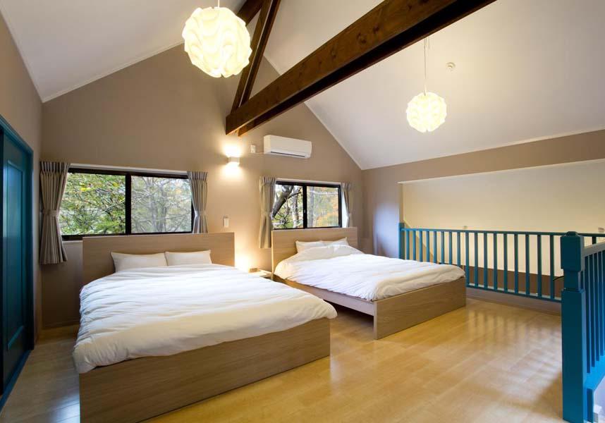お部屋にはキッチン(ダイニングエリア付)、専用バスルーム(無料バスアメニティ、バスタブ付)、バルコニー、薄型テレビ(ブルーレイプレーヤー付)、エアコンが備わっています。