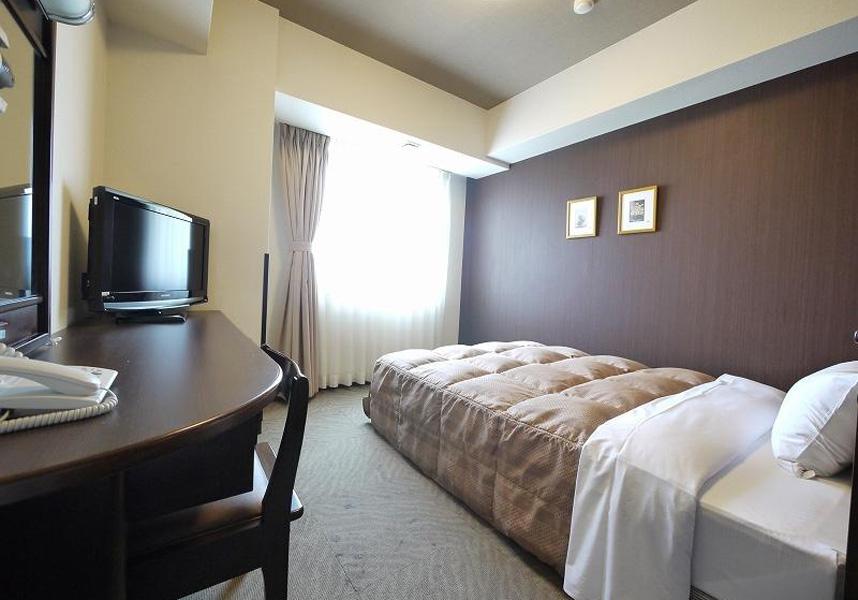 ホテル太田は,無料の有線インターネットと液晶テレビ付きのモダンな客室を提供しています。