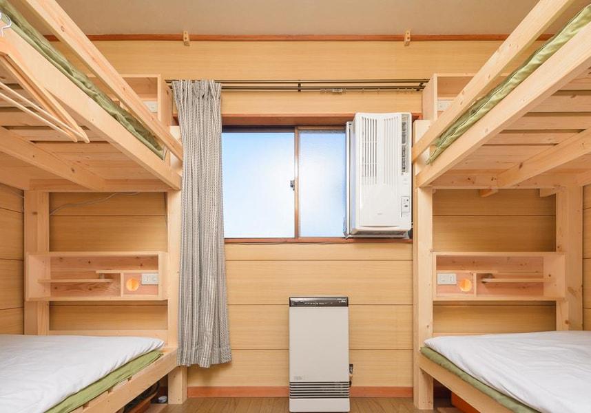 無料Wi-Fi、共用キッチンを利用可能で、富士山の景色を望む畳敷きの和室の客室でくつろげます。バスルームは共用です。