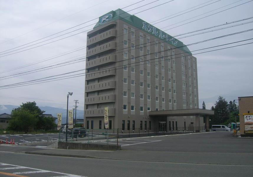 ホテルルートイン駒ヶ根インターは、モダンな客室(無料の有線インターネット、空気清浄機付)、ノートパソコンのレンタル、リラックスできる広々とした大浴場を提供しています。
