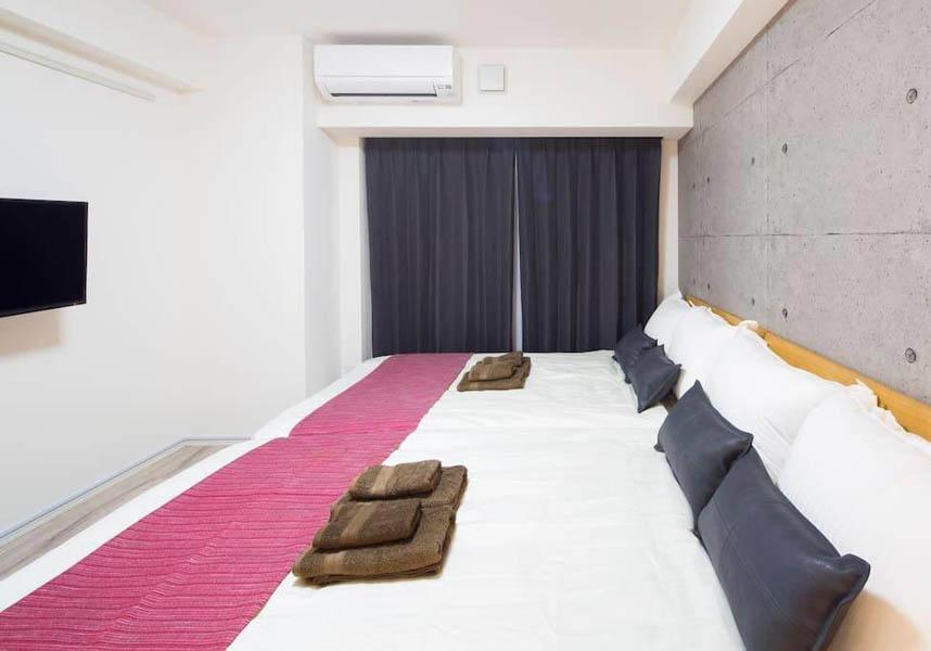 アパートメントにはテレビ、エアコン、キッチン(電気ポット付)、洗濯機、バスルーム(バスタブ付)が備わります。無料Wi-Fiが利用できます。