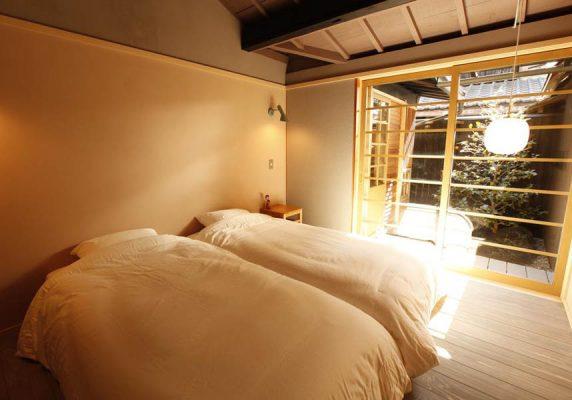 すべてのお部屋に薄型テレビ、専用バスルームが備わっており、一部のお部屋にはキッチン(食器洗い機付)があります。