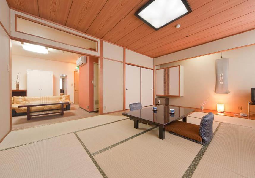 昴宿 よしのは徳島市にある旅館で、エアコンと無料Wi-Fi付きのお部屋を提供しています。阿波おどり会館から800m、アスティとくしまから約3.6km、とくしま動物園から9kmです。滞在中は市街の景色を楽しめます。
